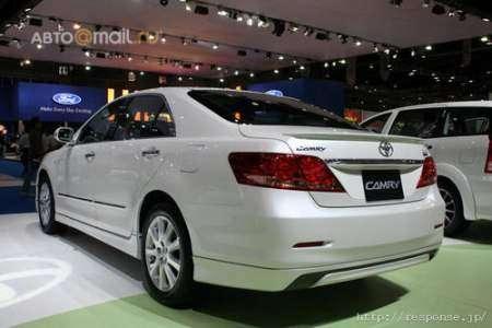 Toyota показала еще одну новую Camry