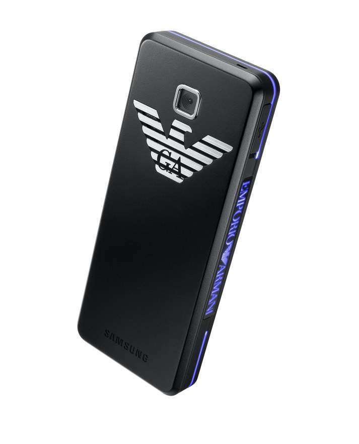 Emporio Armani Samsung Night Effect