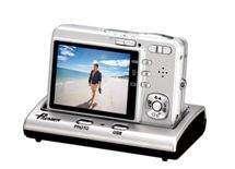Premier вивів на ринок компактні фотокамери