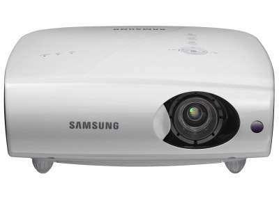 Samsung представила новий проектор SP-L300 для бізнес користувачів